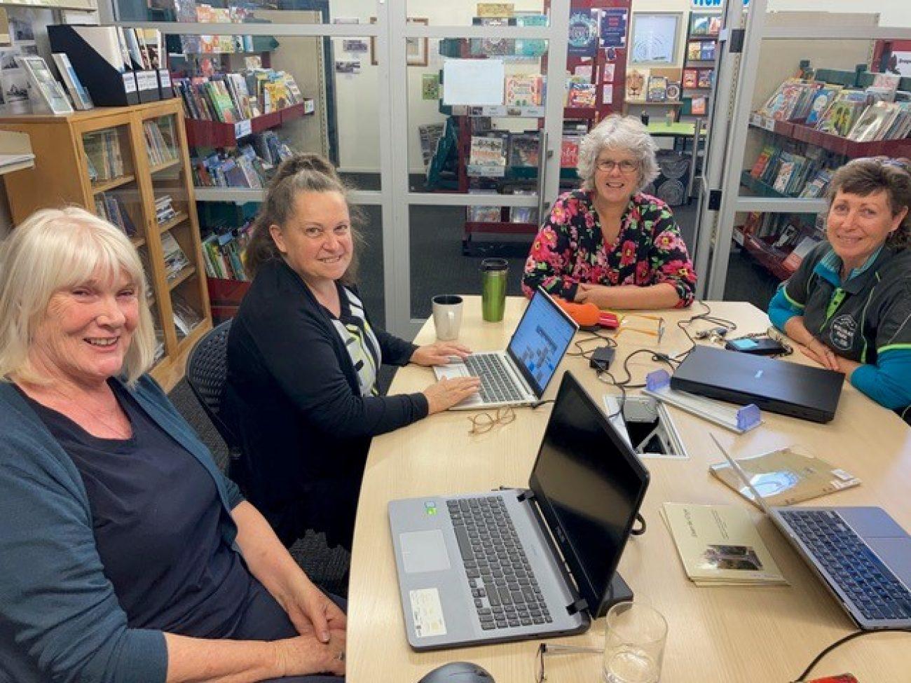 Telling West Coast Stories Online